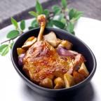 Confit de canard aux pommes de terre sarladaises et cèpes