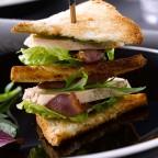 Sandwich au foie gras de canard et magret séché